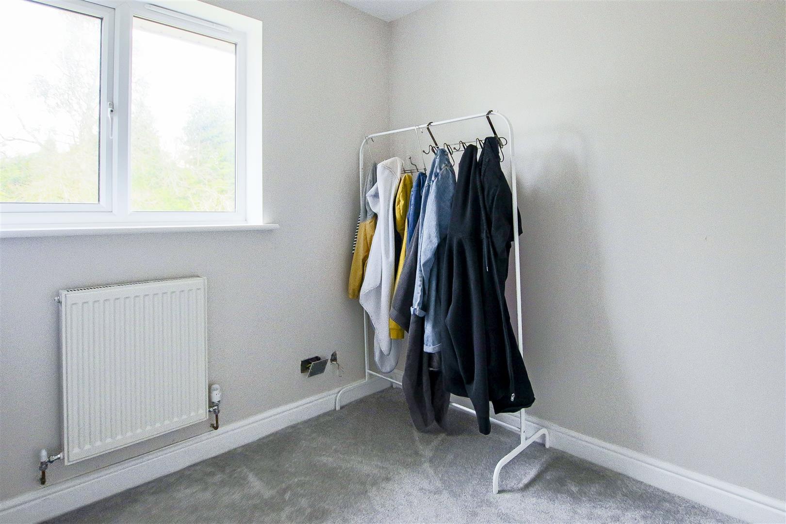 5 Bedroom Detached House For Sale - 32.jpg